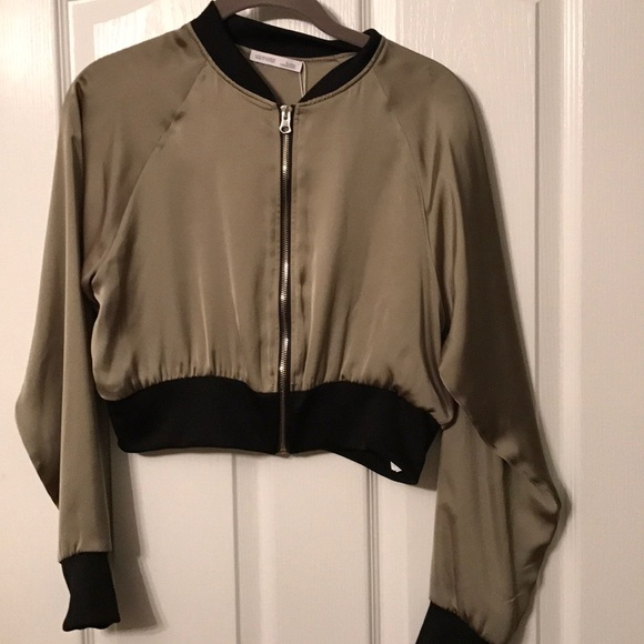 962f4fcec NWT Zara cropped bomber jacket size S